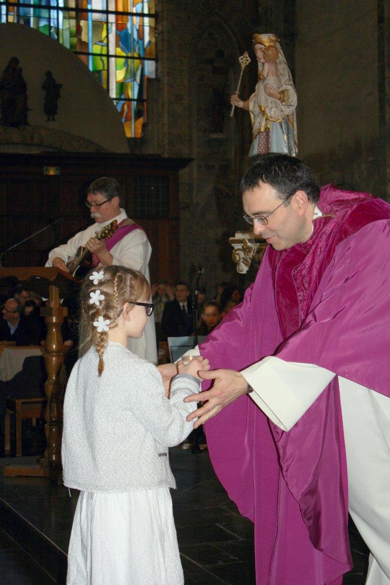1503_1ères communions (St-Jean) 69
