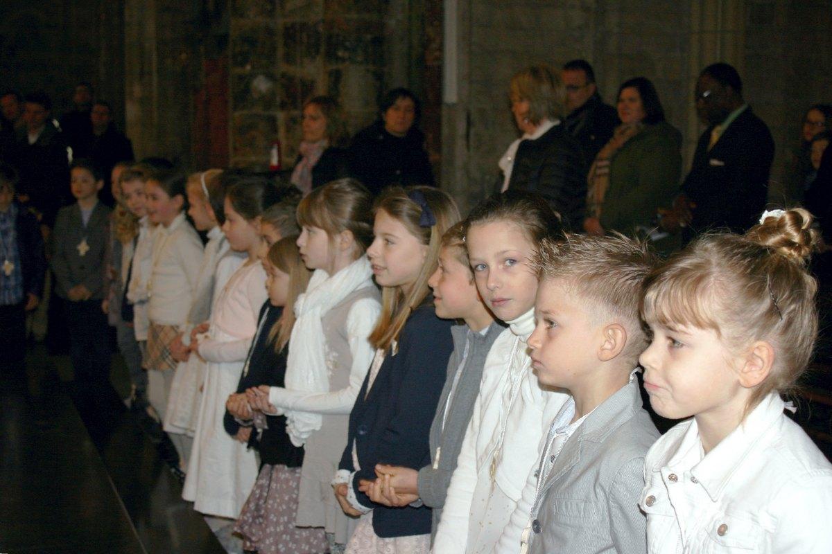 1503_1ères communions (St-Jean) 78