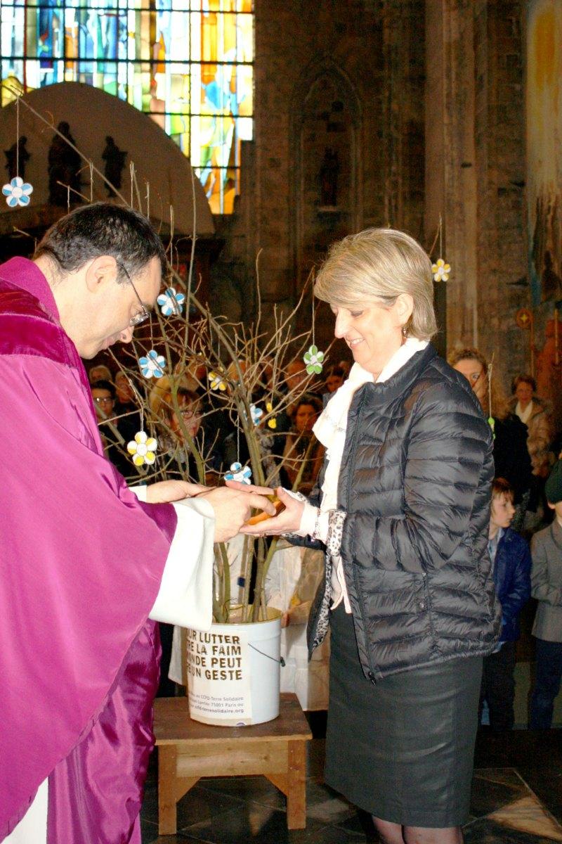 1503_1ères communions (St-Jean) 85