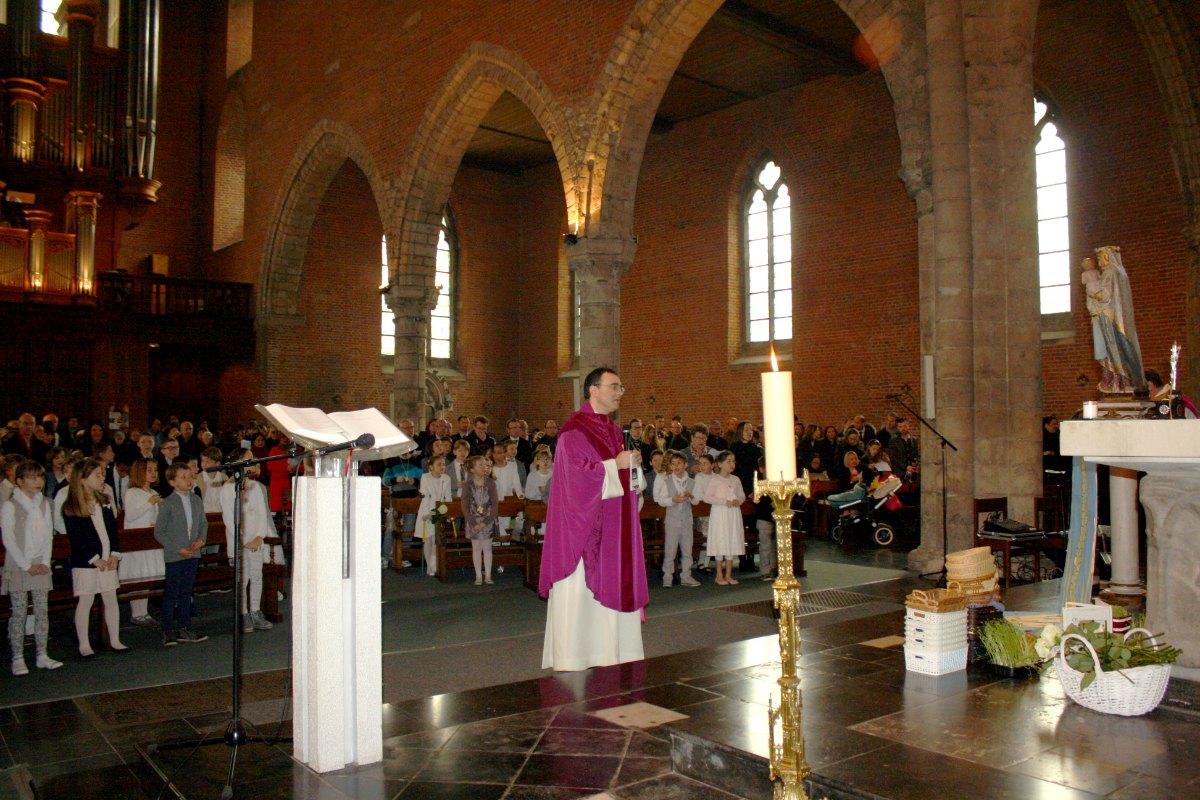 1503_1ères communions (St-Jean) 86