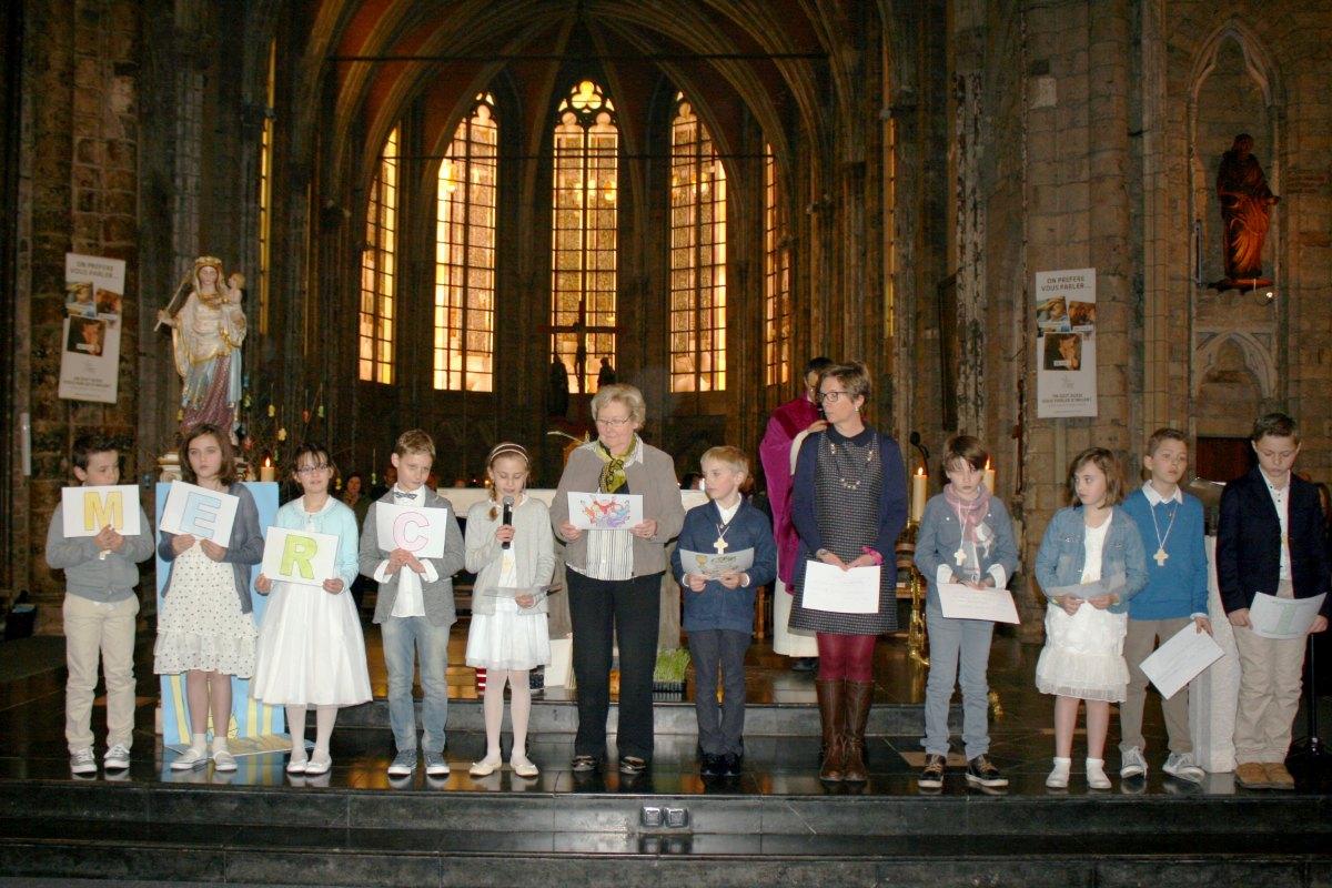 1503_1ères communions (St-Jean) 88