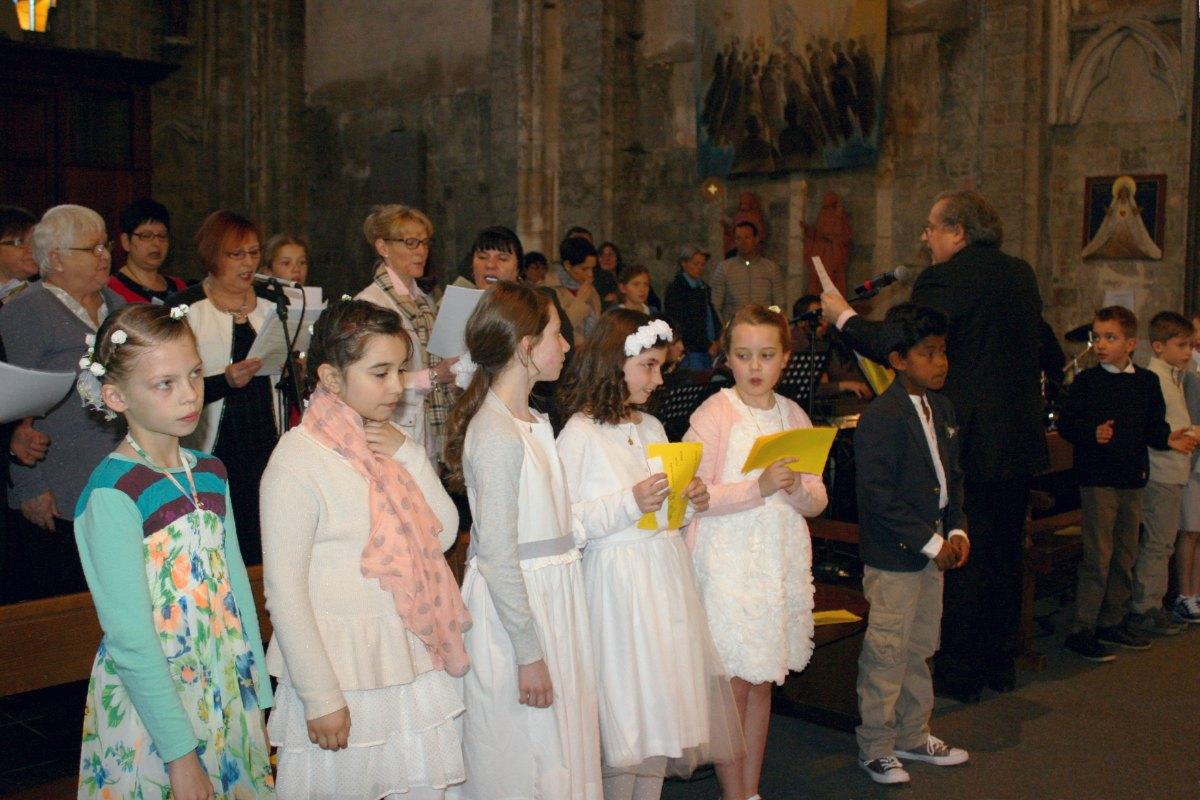 1504_1ères communions (Ecole Ste-Union) 11