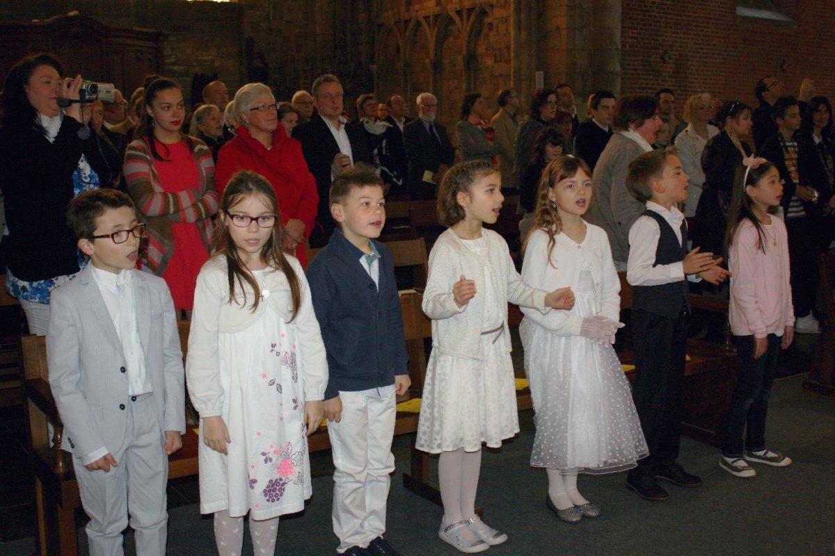 1504_1ères communions (Ecole Ste-Union) 12