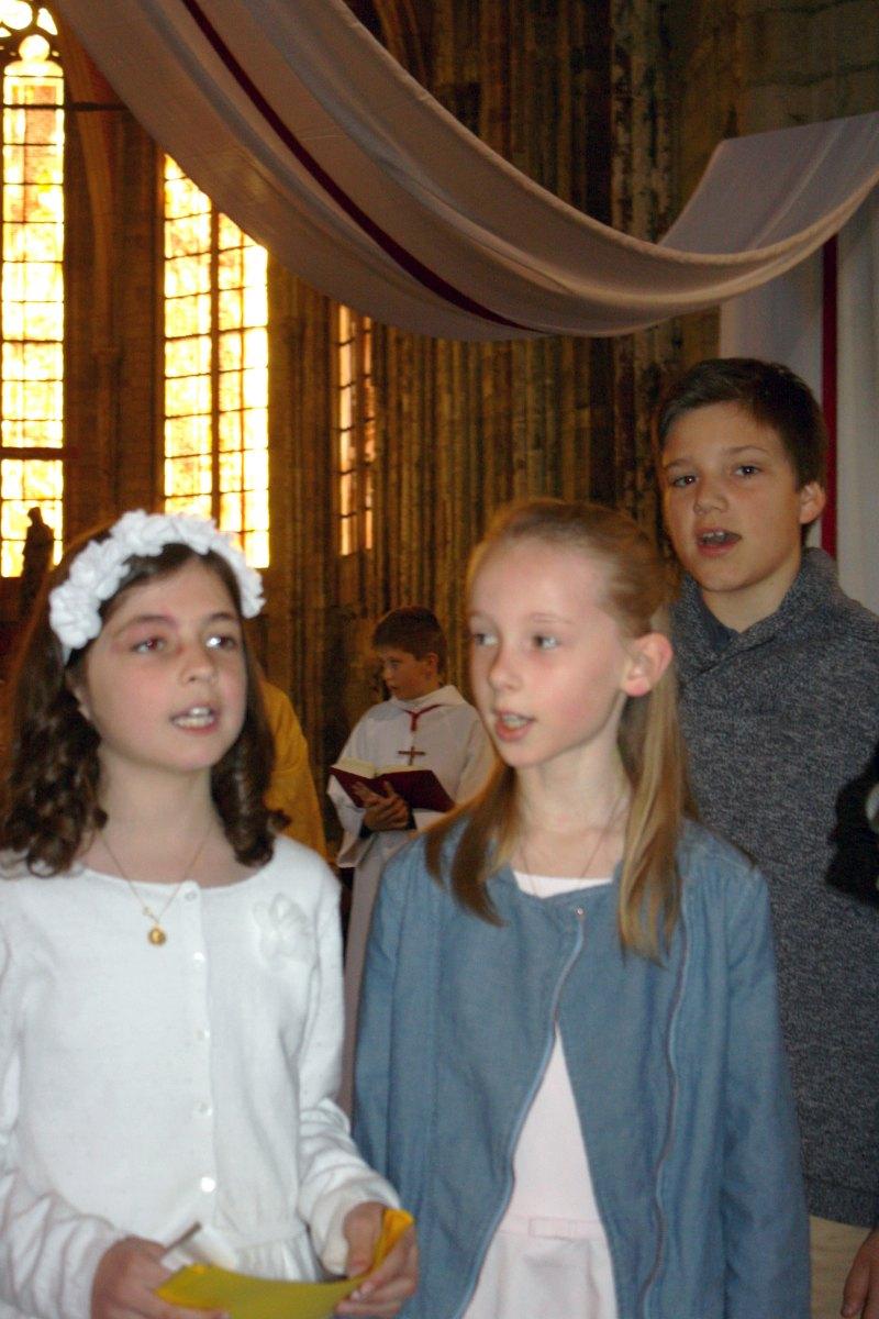 1504_1ères communions (Ecole Ste-Union) 15