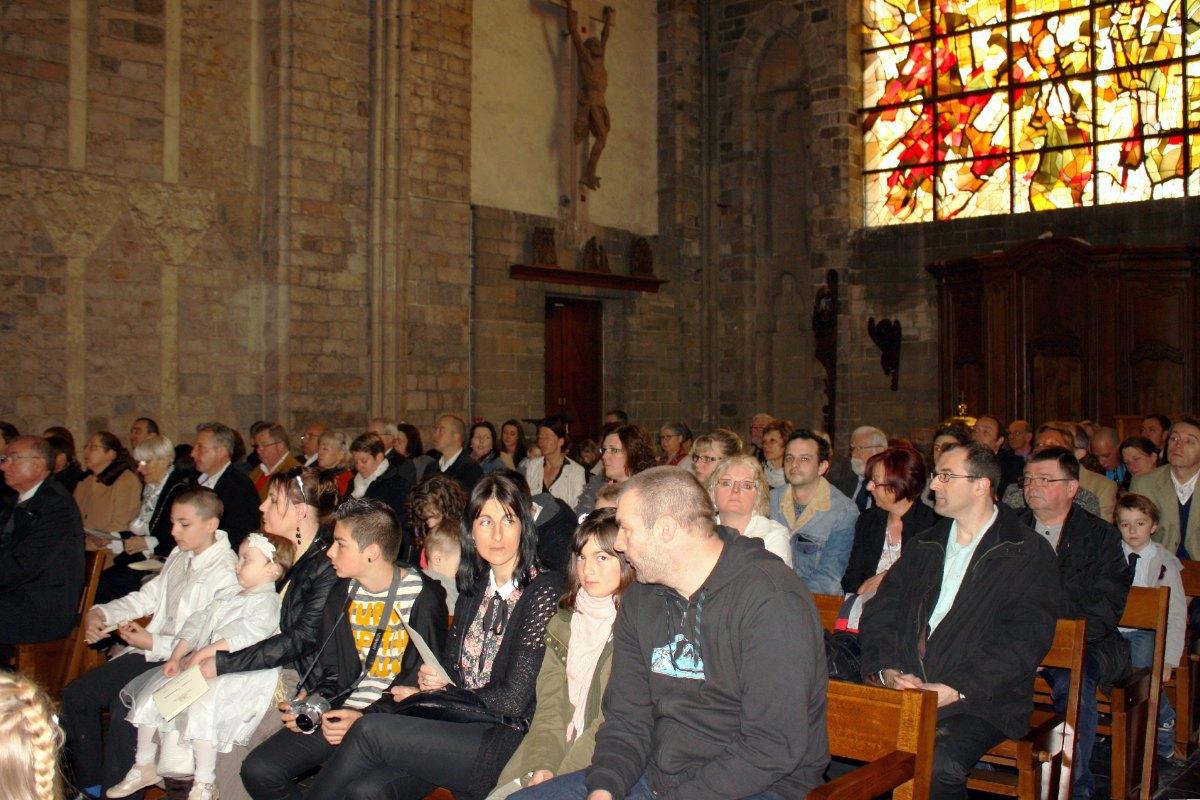 1504_1ères communions (Ecole Ste-Union) 23