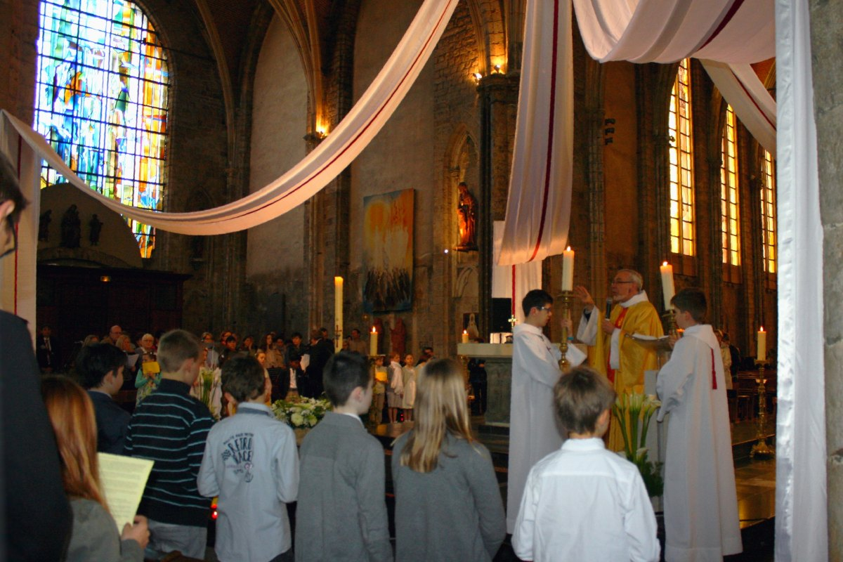 1504_1ères communions (Ecole Ste-Union) 25
