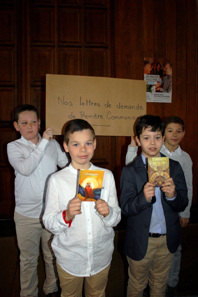 1504_1ères communions (Ecole Ste-Union) 33