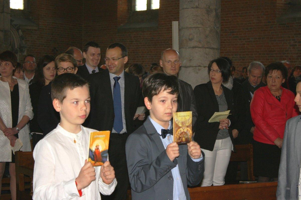 1504_1ères communions (Ecole Ste-Union) 35