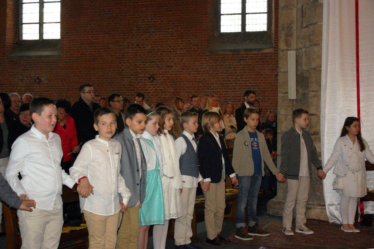 1504_1ères communions (Ecole Ste-Union) 42