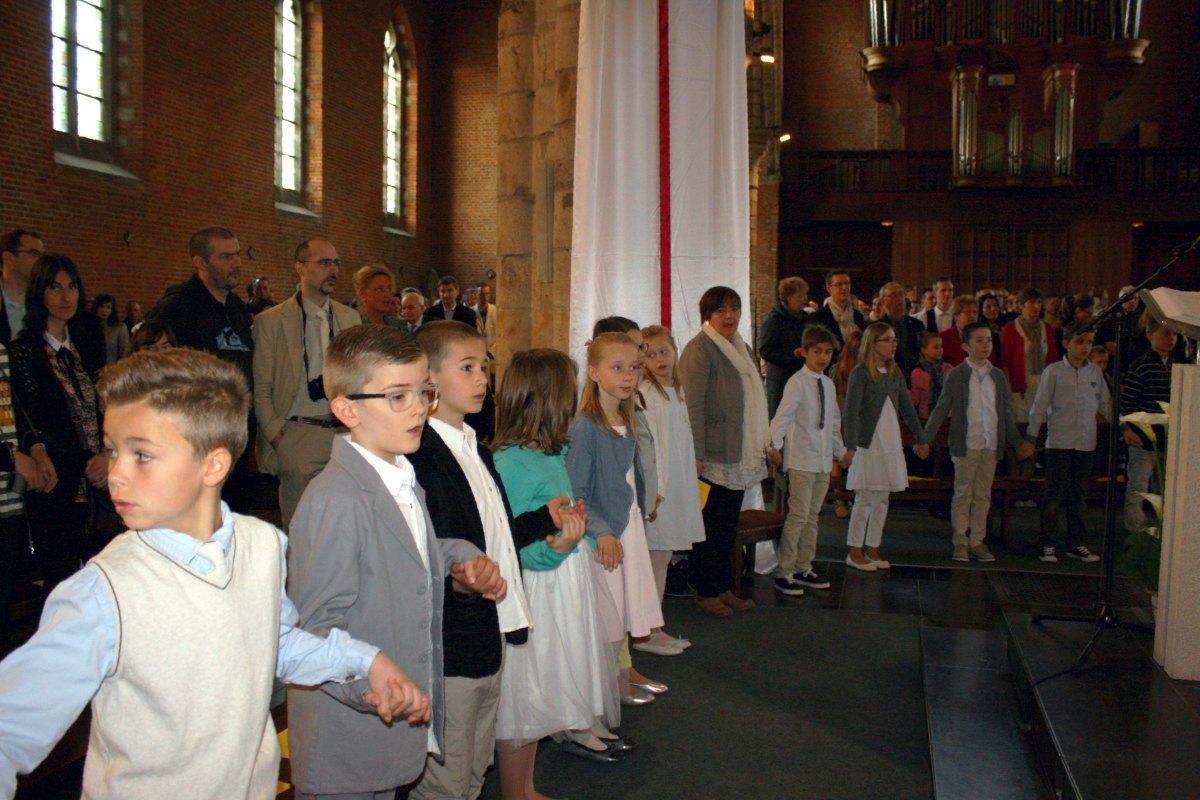 1504_1ères communions (Ecole Ste-Union) 44