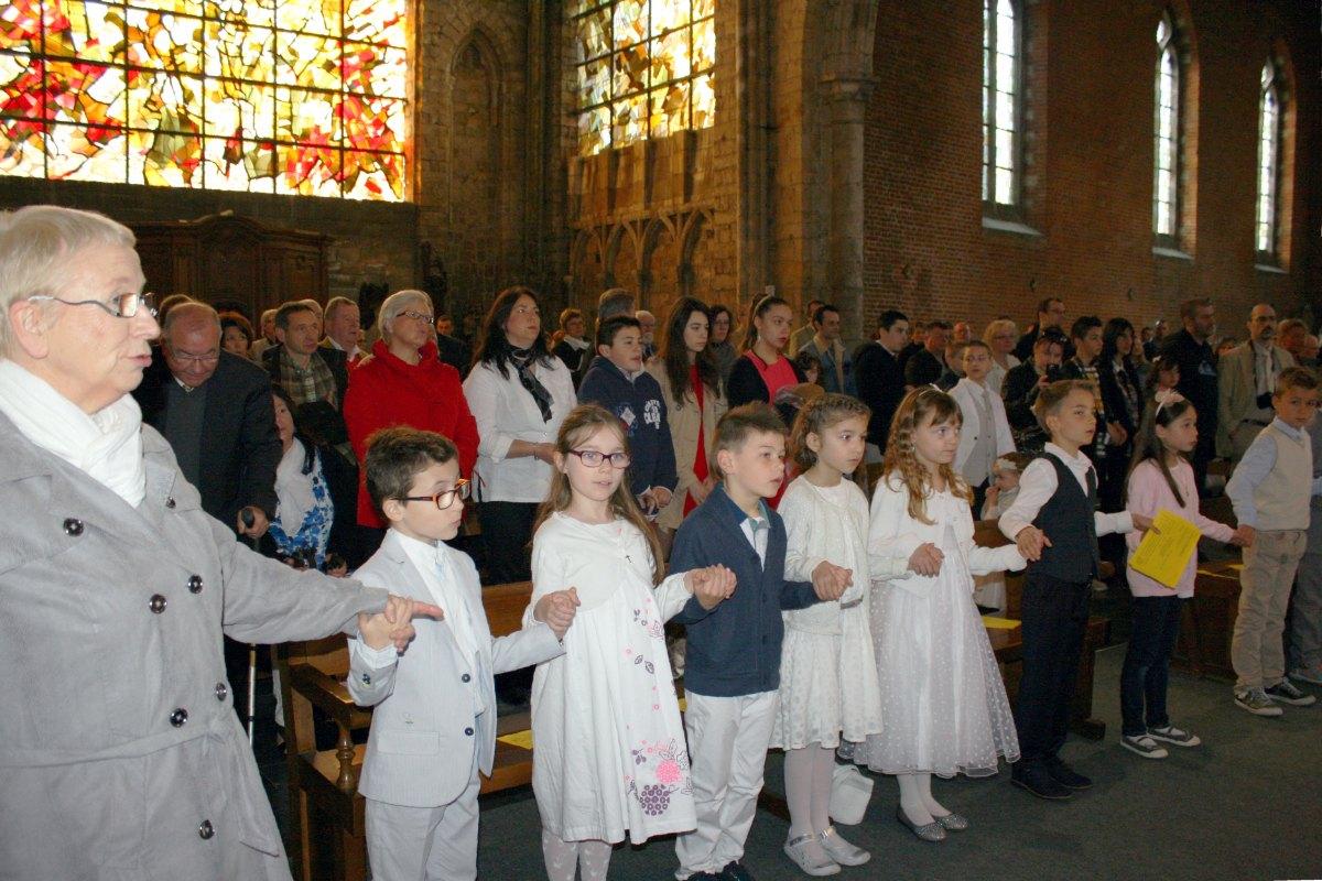 1504_1ères communions (Ecole Ste-Union) 45