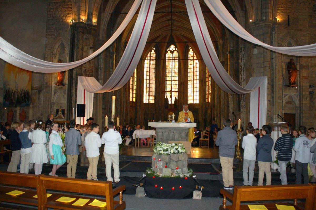1504_1ères communions (Ecole Ste-Union) 50