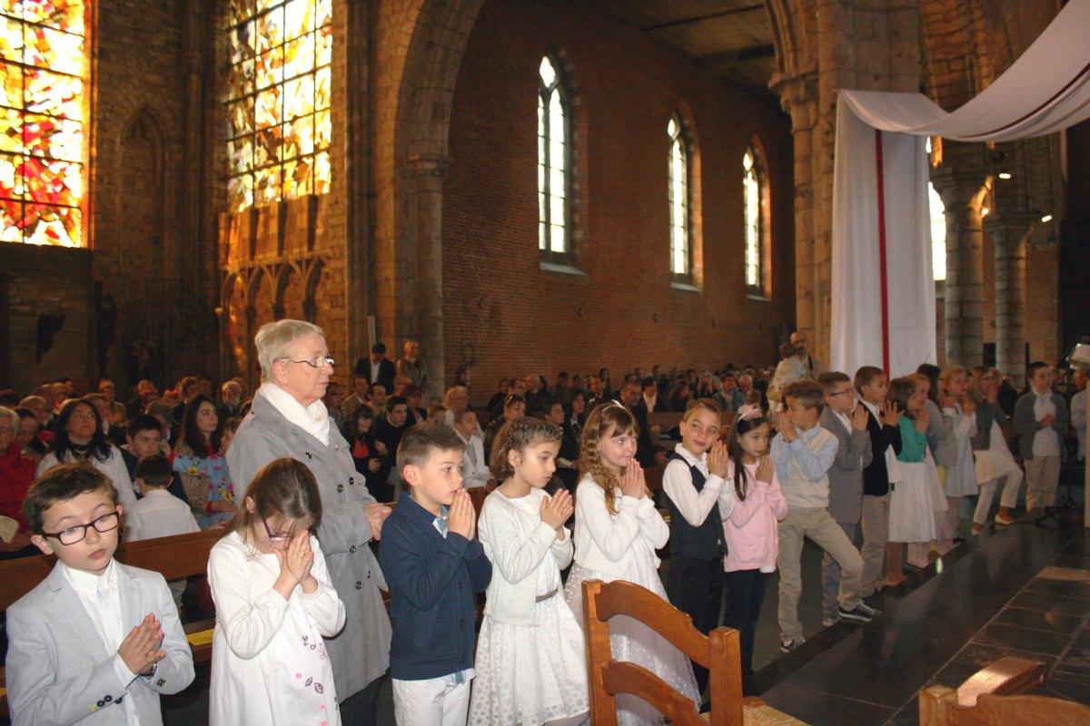 1504_1ères communions (Ecole Ste-Union) 52