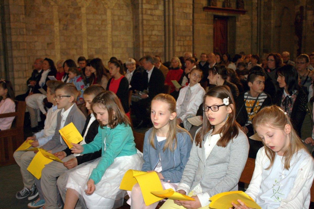 1504_1ères communions (Ecole Ste-Union) 58
