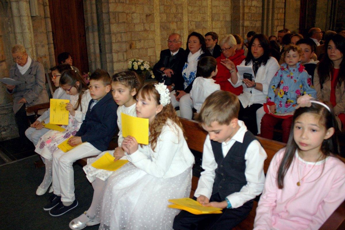 1504_1ères communions (Ecole Ste-Union) 59