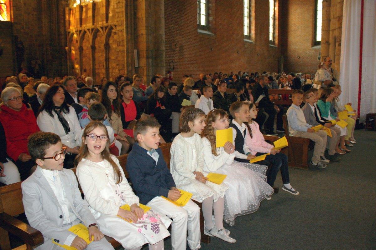 1504_1ères communions (Ecole Ste-Union) 60