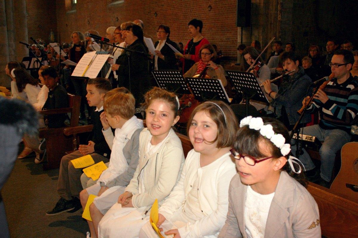 1504_1ères communions (Ecole Ste-Union) 61