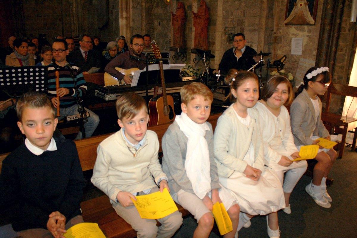 1504_1ères communions (Ecole Ste-Union) 62
