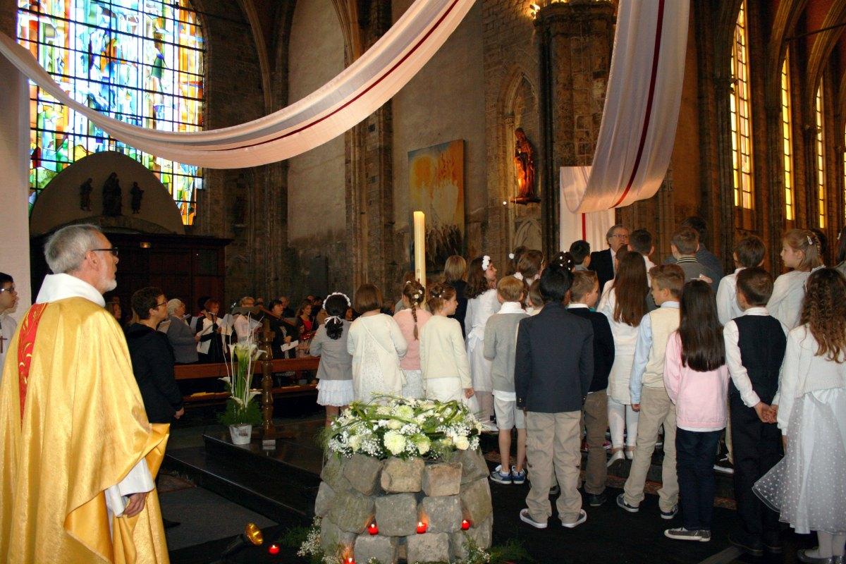 1504_1ères communions (Ecole Ste-Union) 65
