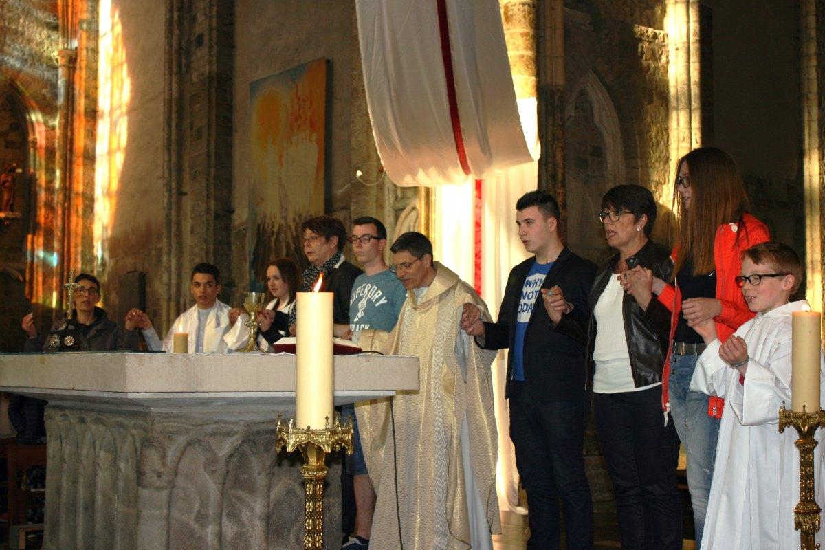 1504_Messe avec baptêmes 46