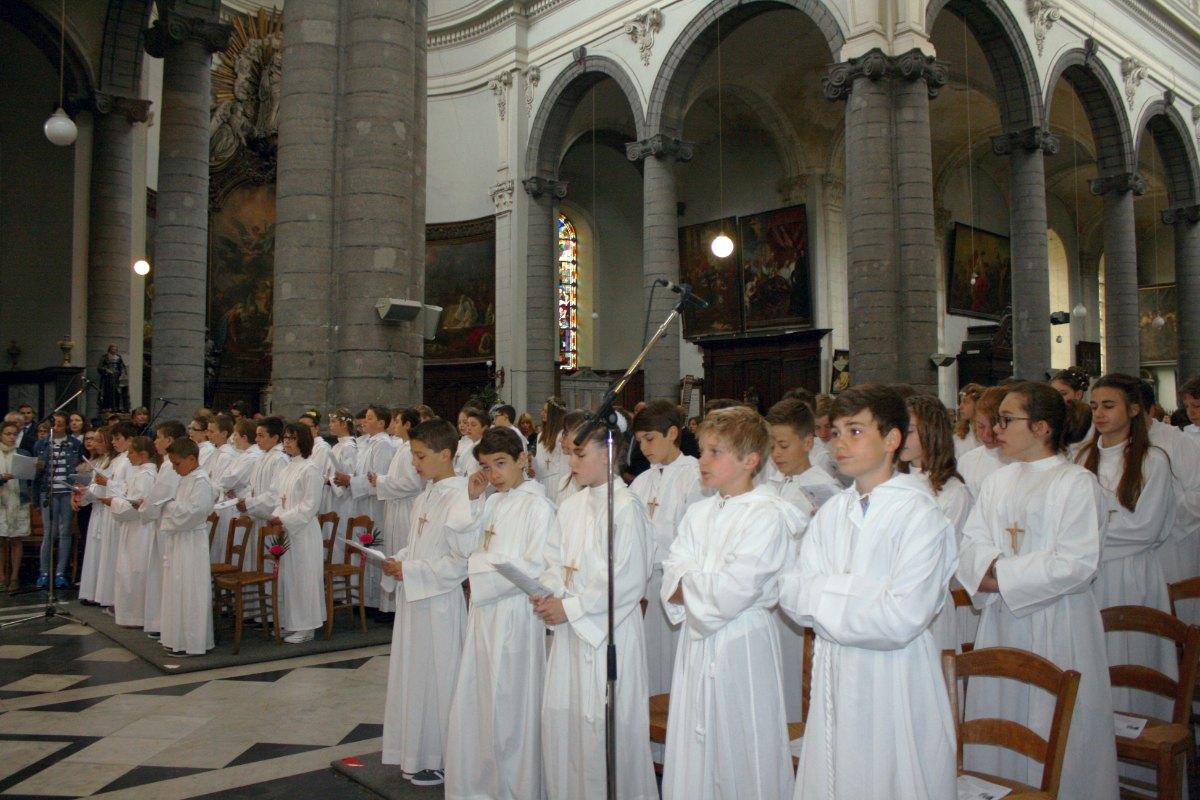 1506_Profession de foi (St-Jean 1) 17