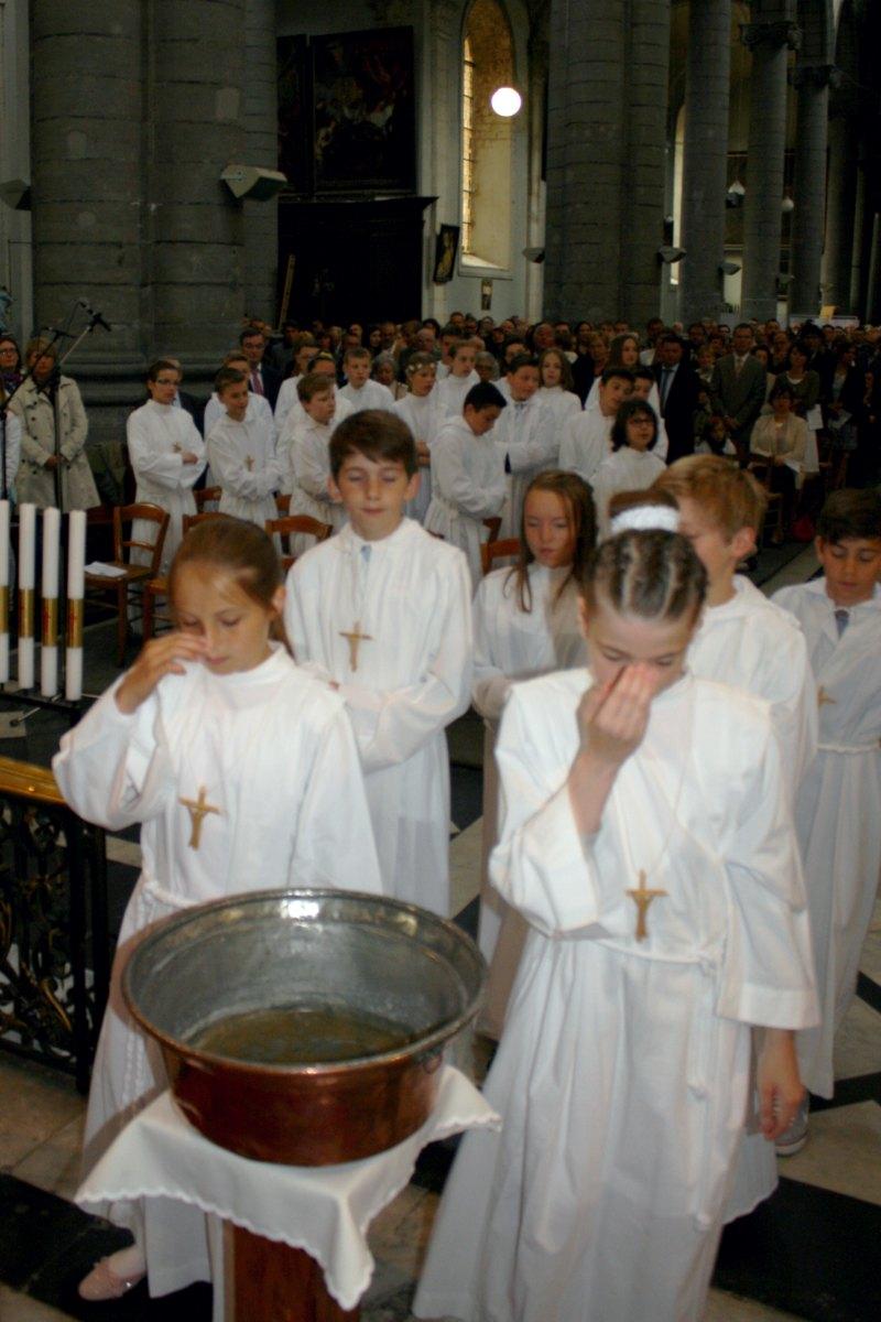 1506_Profession de foi (St-Jean 1) 22