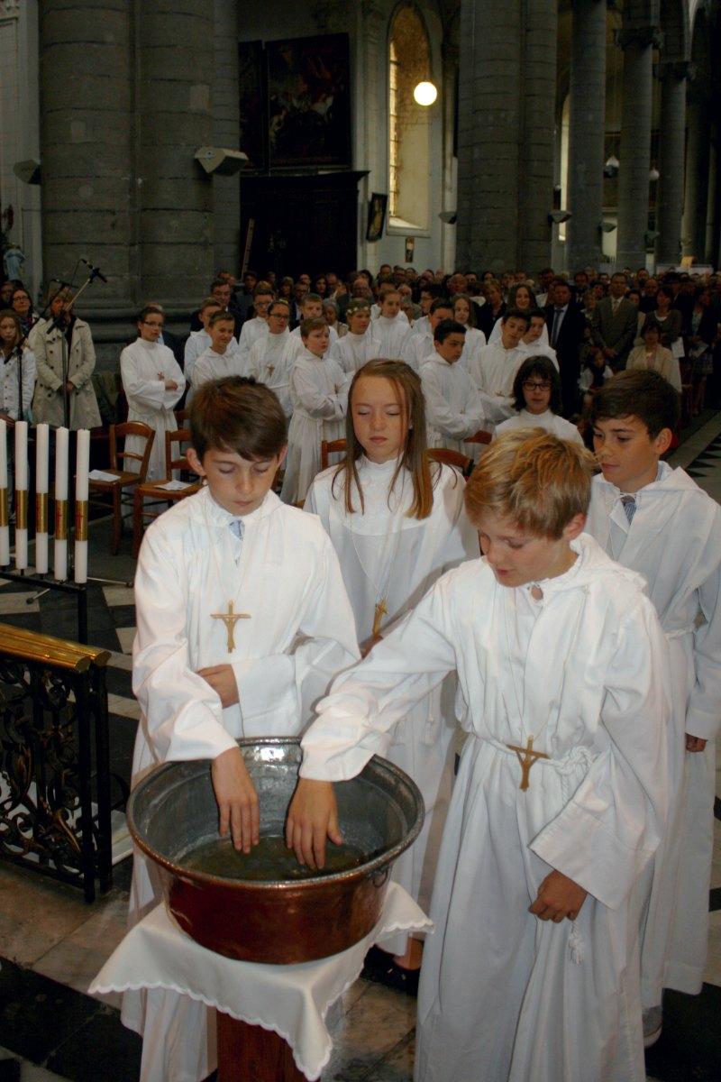 1506_Profession de foi (St-Jean 1) 23
