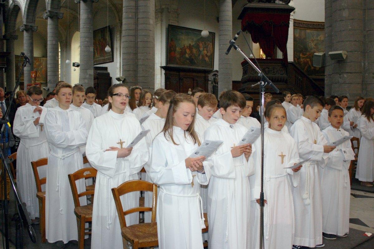 1506_Profession de foi (St-Jean 1) 29