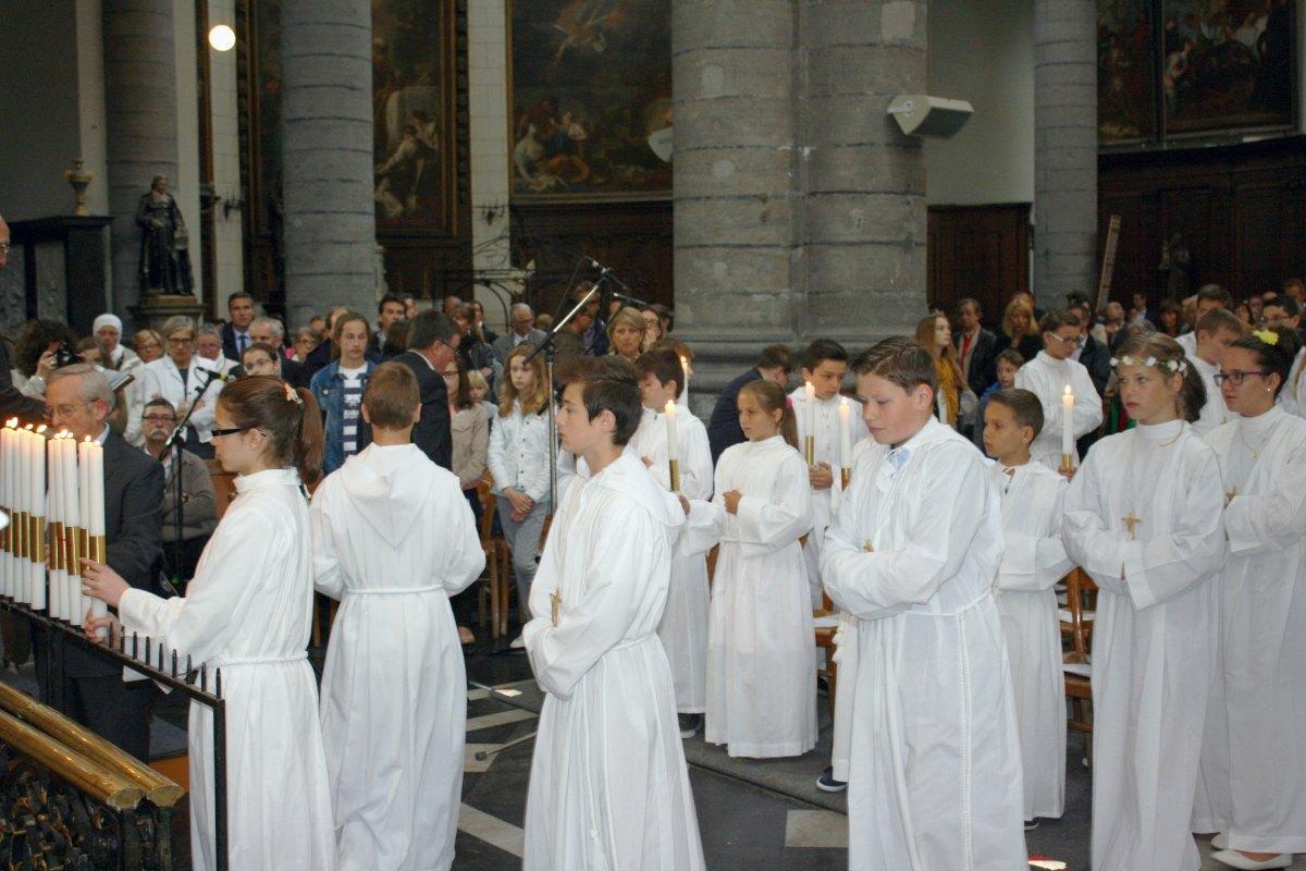1506_Profession de foi (St-Jean 1) 44