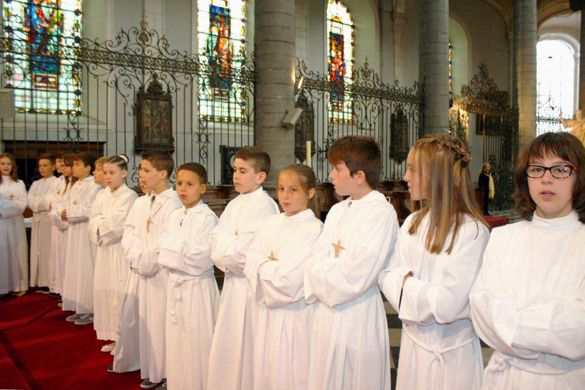 1506_Profession de foi (St-Jean 1) 62