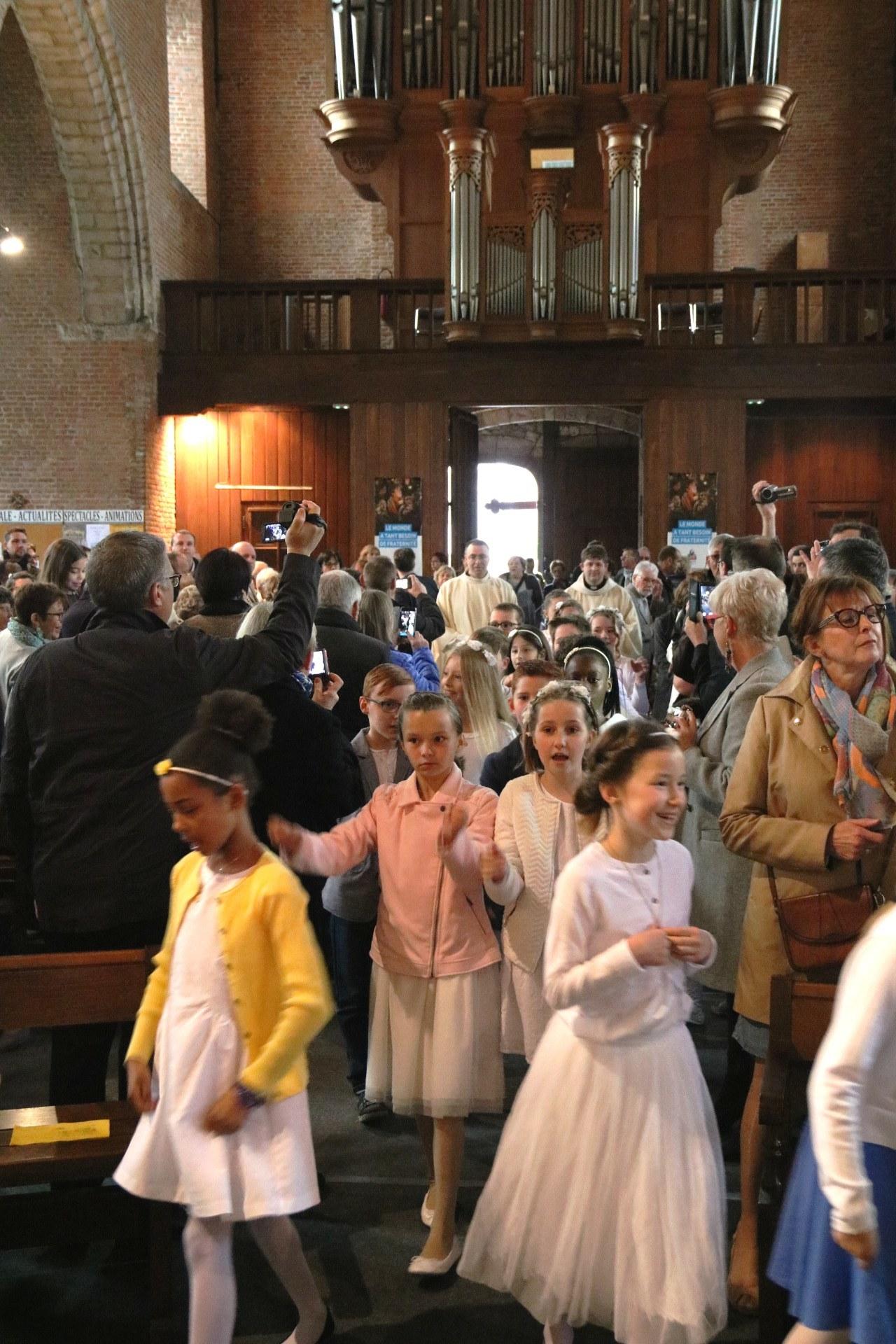 1705_1ères communions (Ecole de la Ste-Union) 4