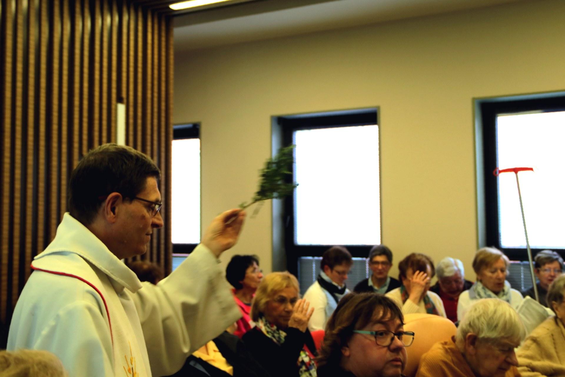 1904_Eucharistie pascale au CHD 15
