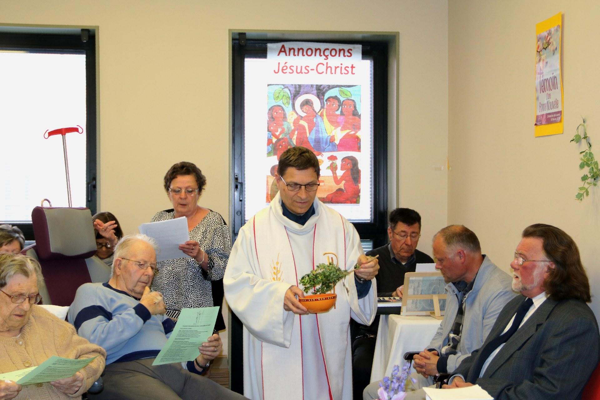 1904_Eucharistie pascale au CHD 16