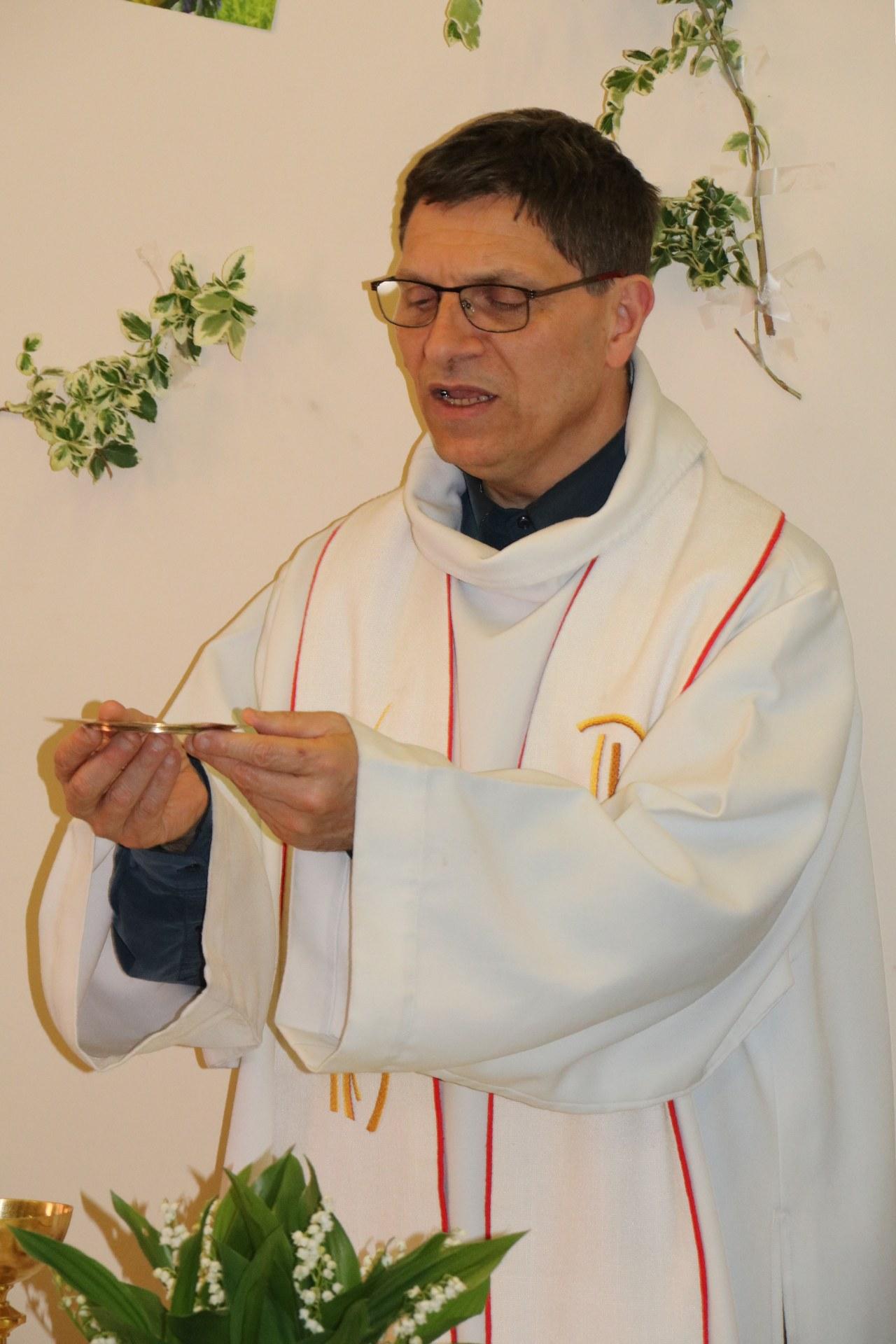 1904_Eucharistie pascale au CHD 25