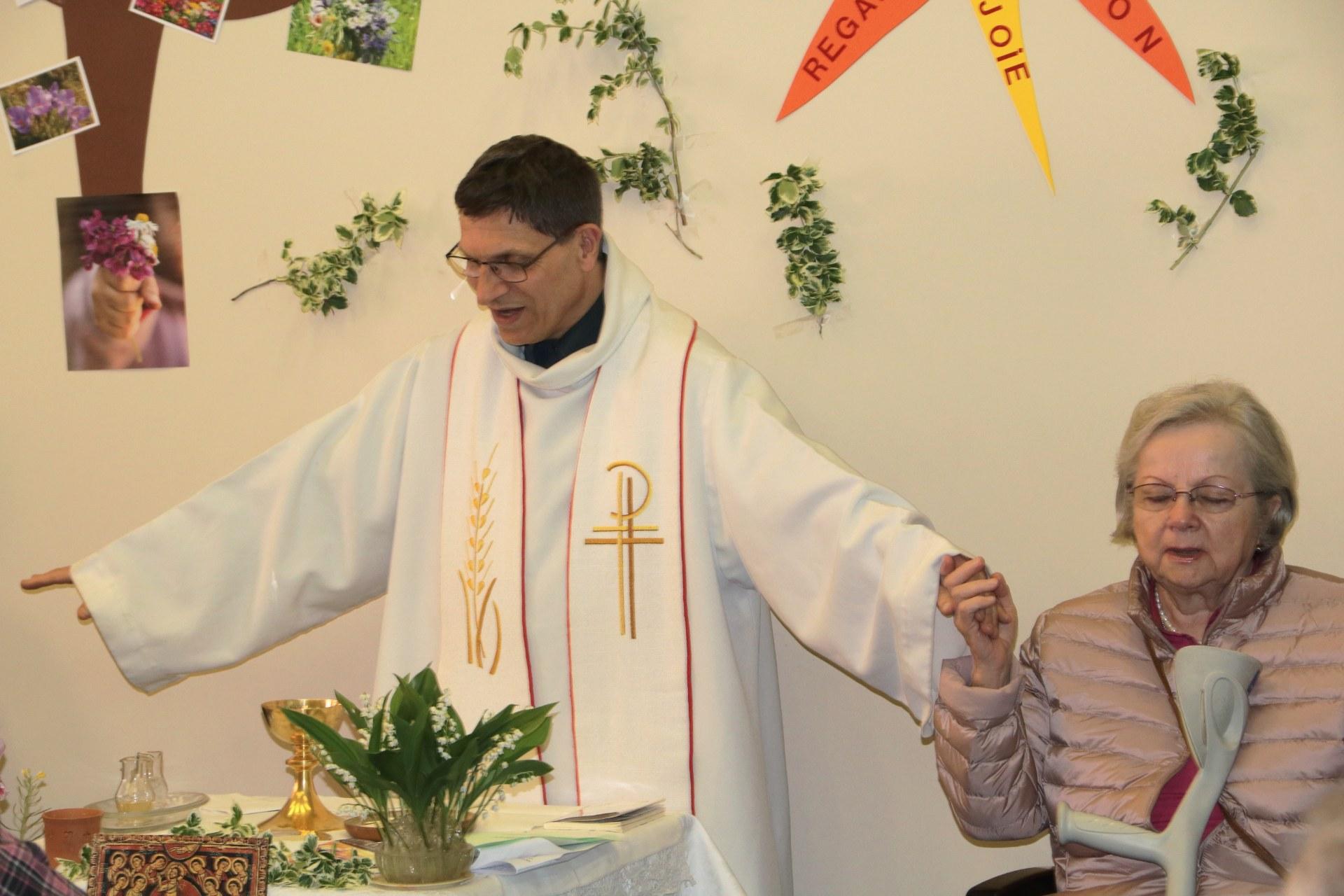 1904_Eucharistie pascale au CHD 29