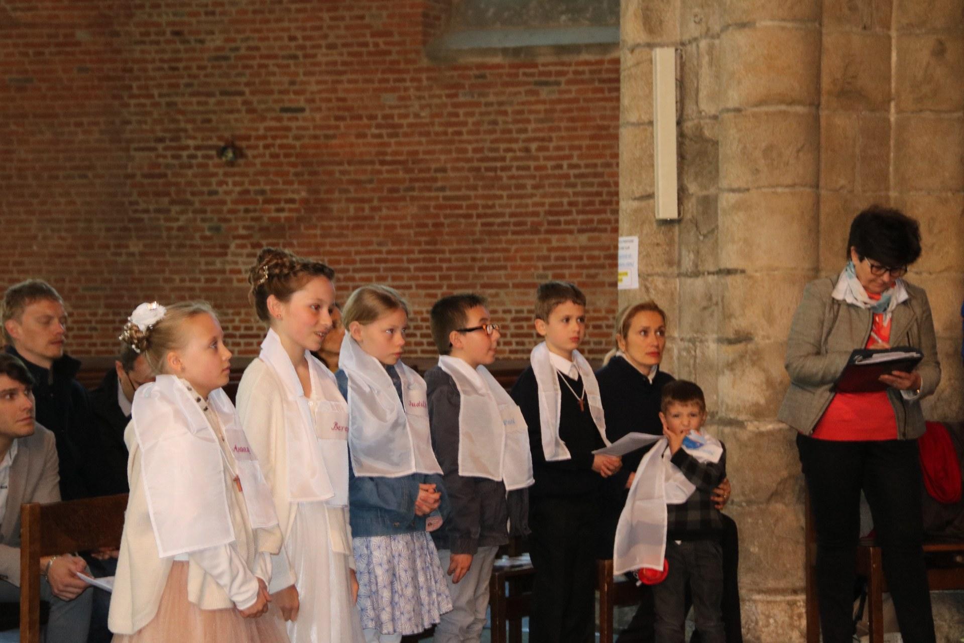 1905_Célébration de baptêmes (7 -12 ans) 111
