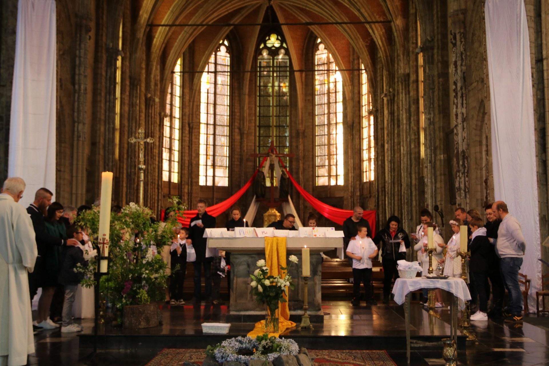 1905_Célébration de baptêmes (7 -12 ans) 116
