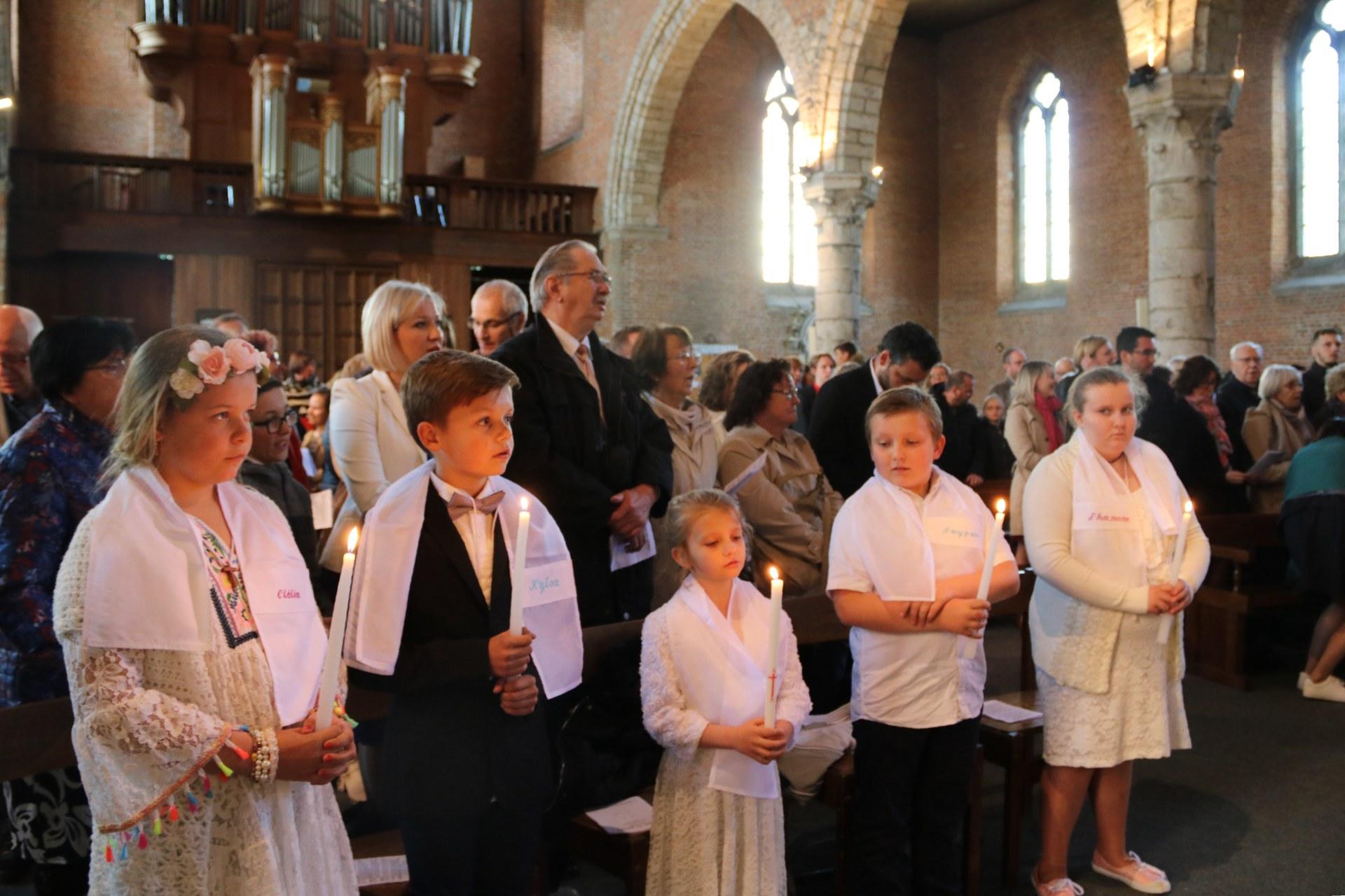 1905_Célébration de baptêmes (7 -12 ans) 120