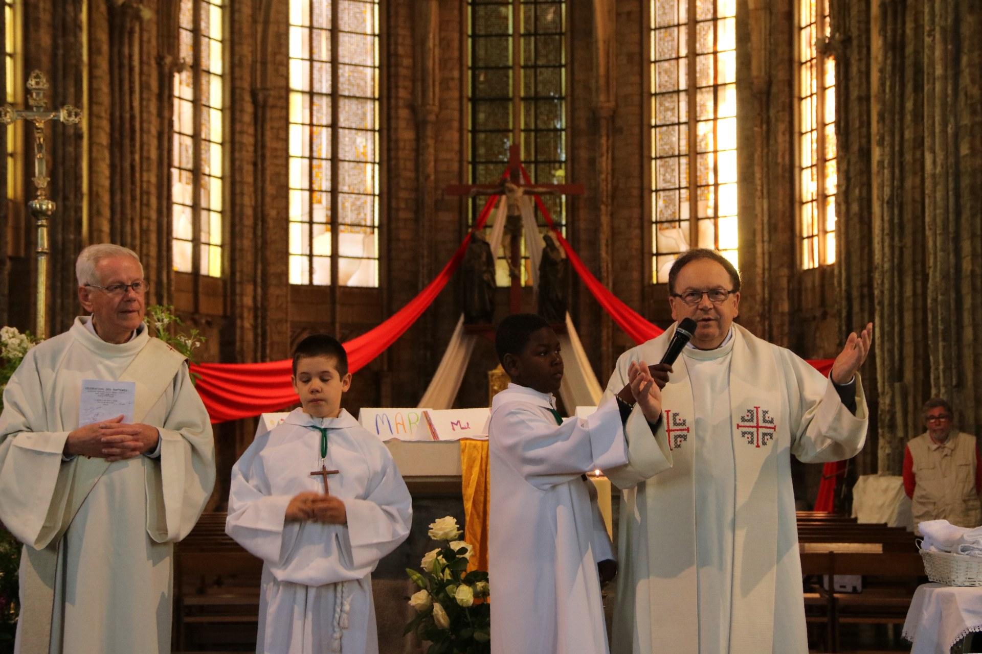 1905_Célébration de baptêmes (7 -12 ans) 132