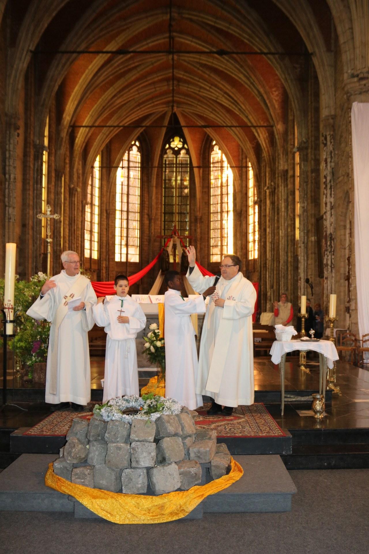 1905_Célébration de baptêmes (7 -12 ans) 133