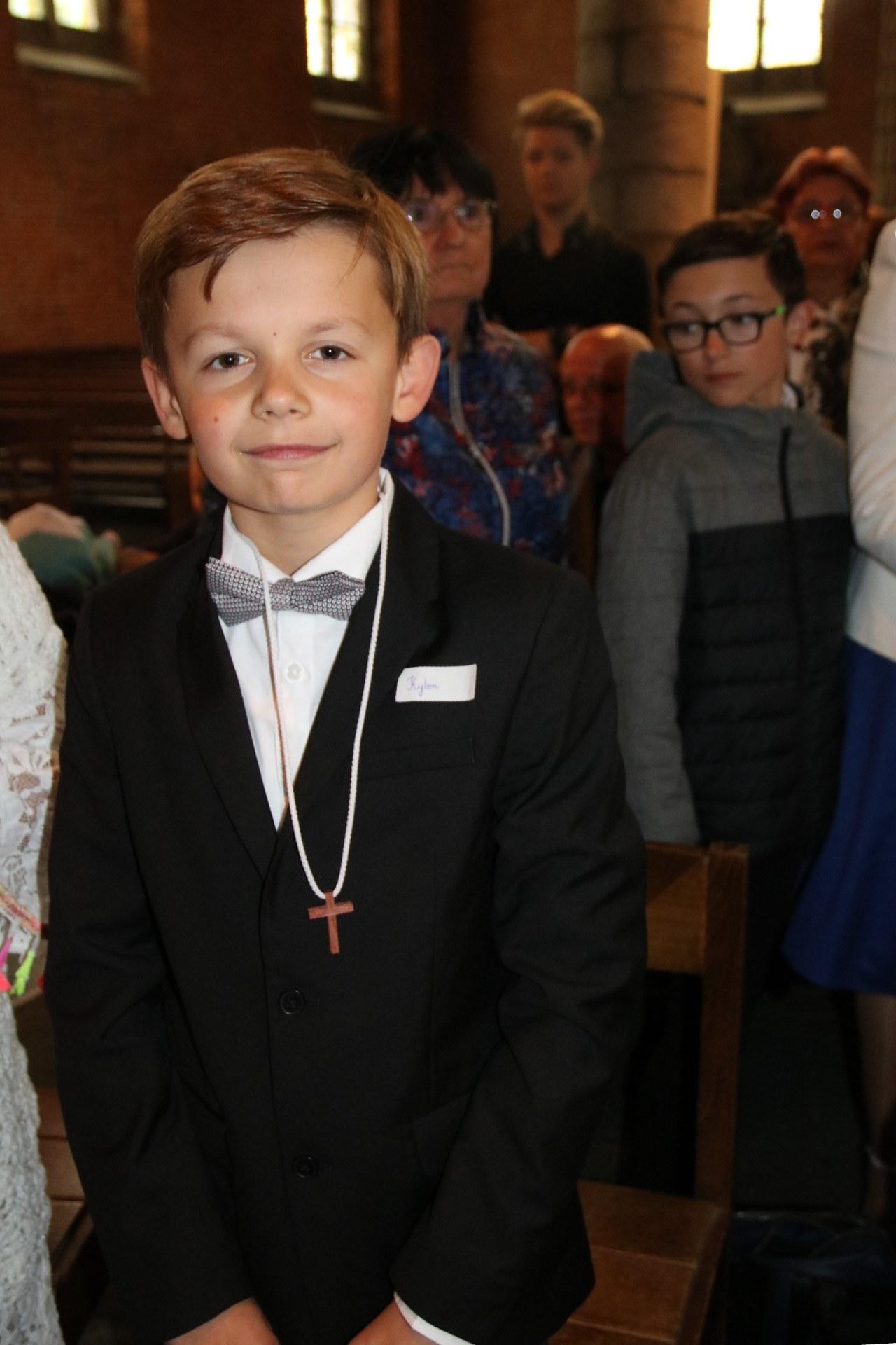 1905_Célébration de baptêmes (7 -12 ans) 23
