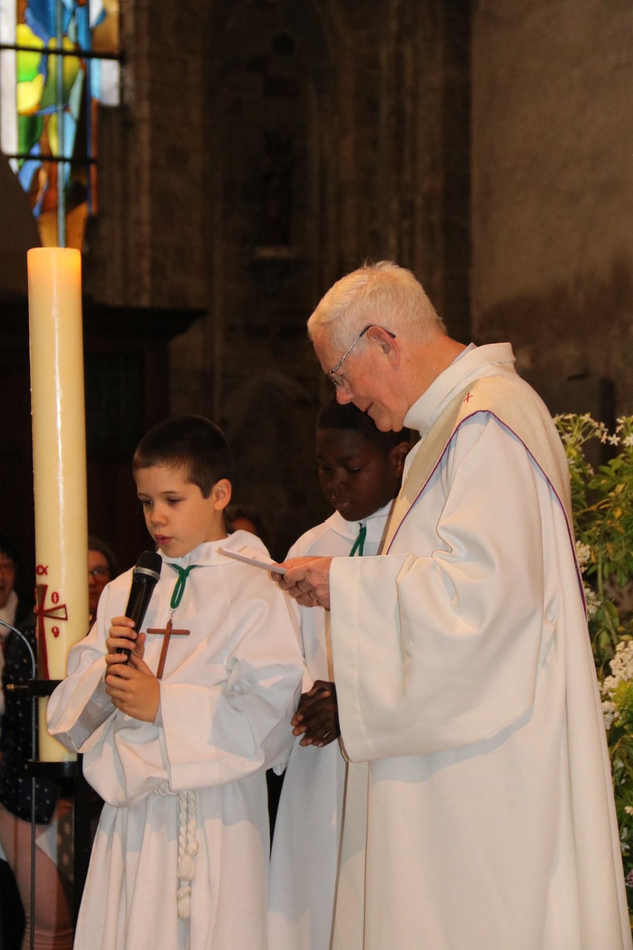 1905_Célébration de baptêmes (7 -12 ans) 32