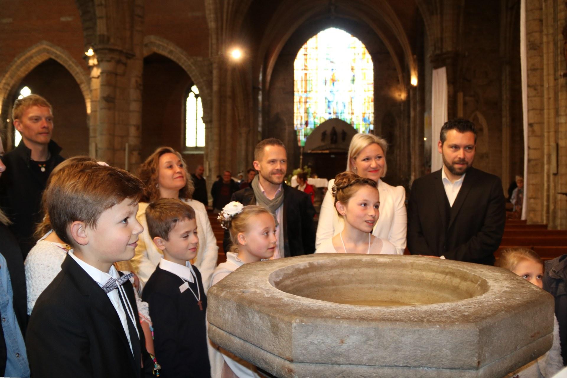 1905_Célébration de baptêmes (7 -12 ans) 38