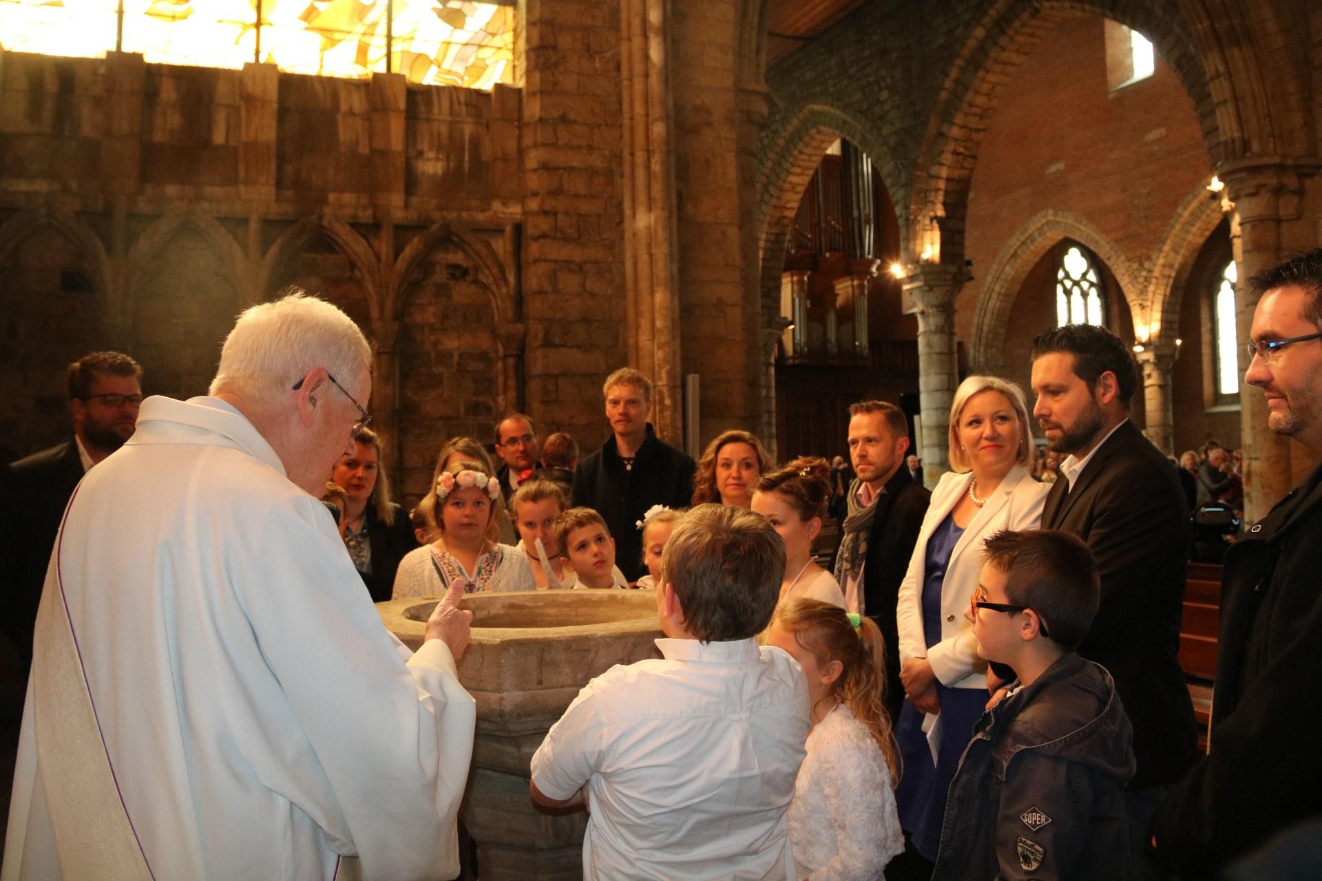 1905_Célébration de baptêmes (7 -12 ans) 39