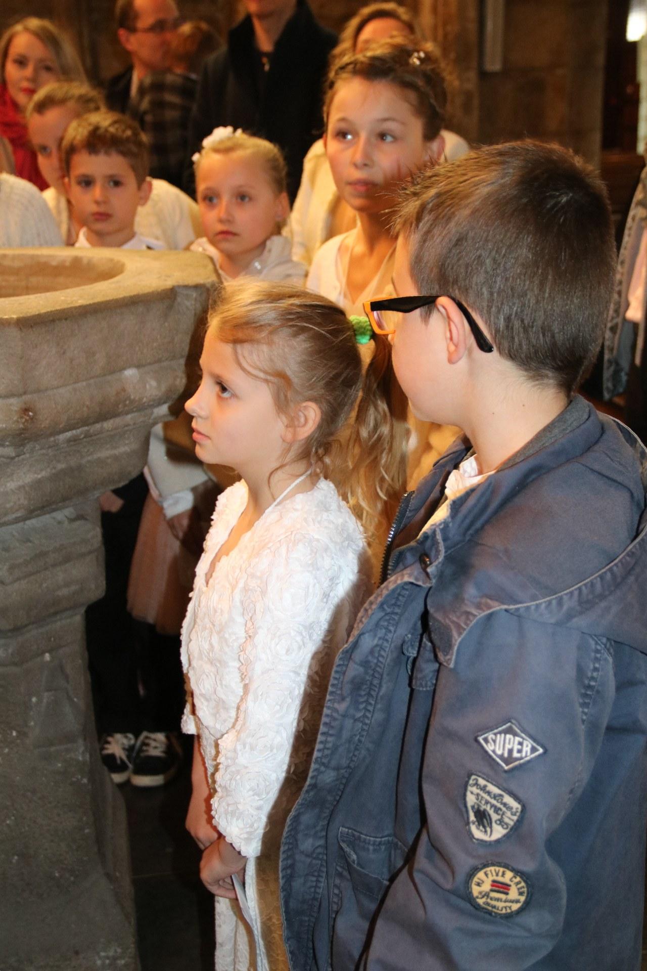 1905_Célébration de baptêmes (7 -12 ans) 41