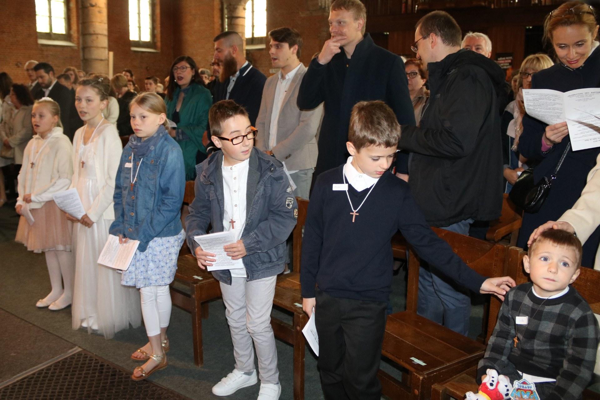 1905_Célébration de baptêmes (7 -12 ans) 49