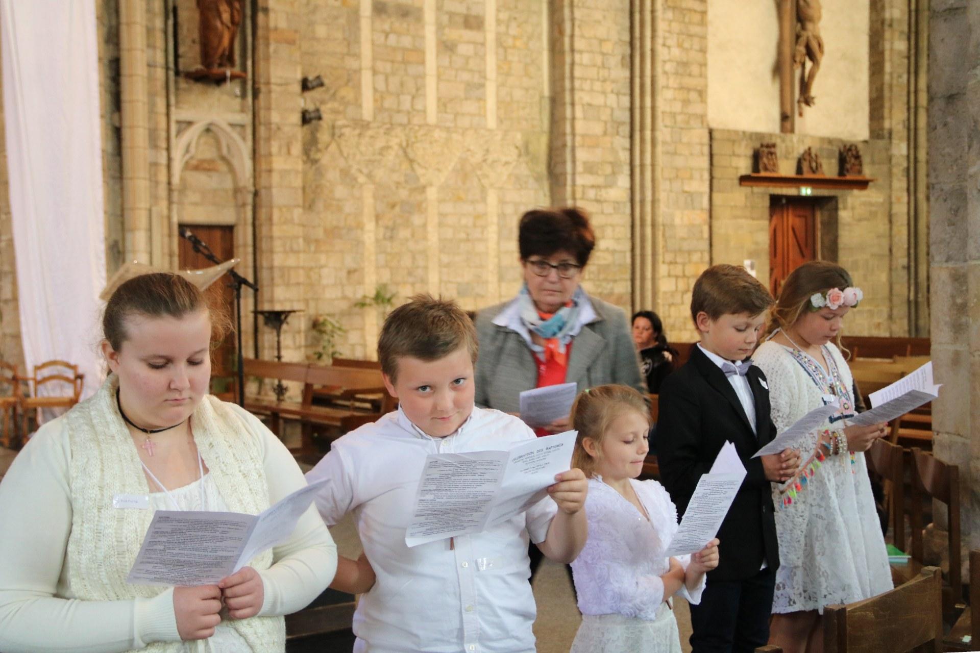 1905_Célébration de baptêmes (7 -12 ans) 54