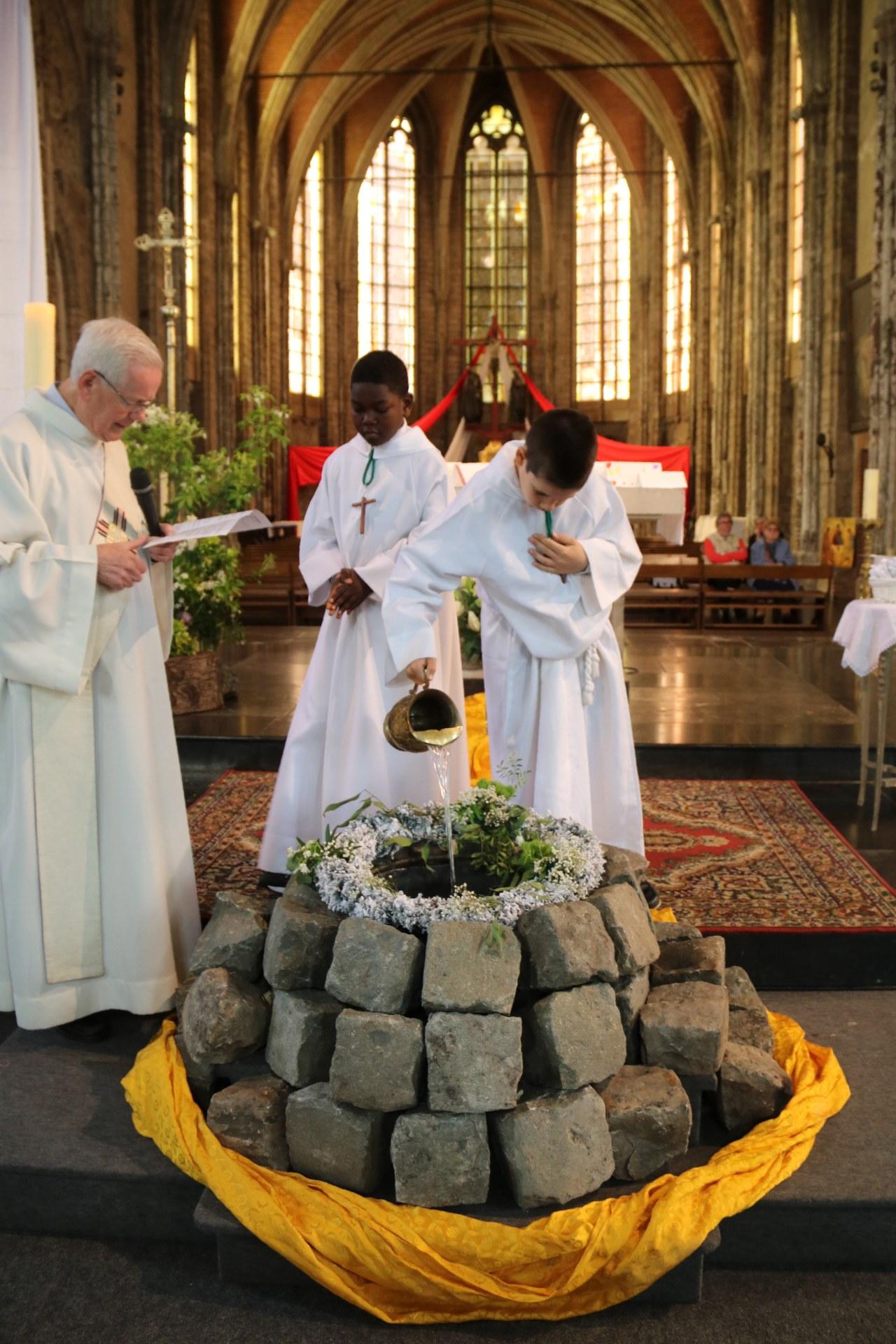 1905_Célébration de baptêmes (7 -12 ans) 56