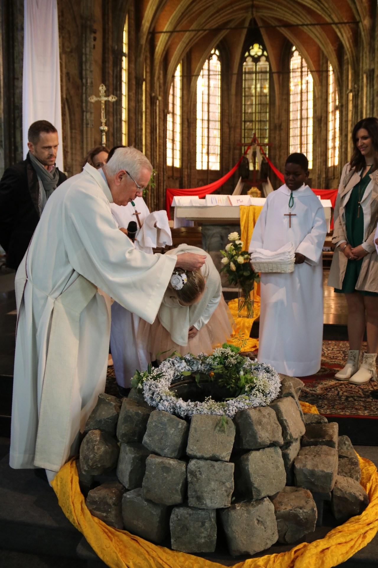 1905_Célébration de baptêmes (7 -12 ans) 59