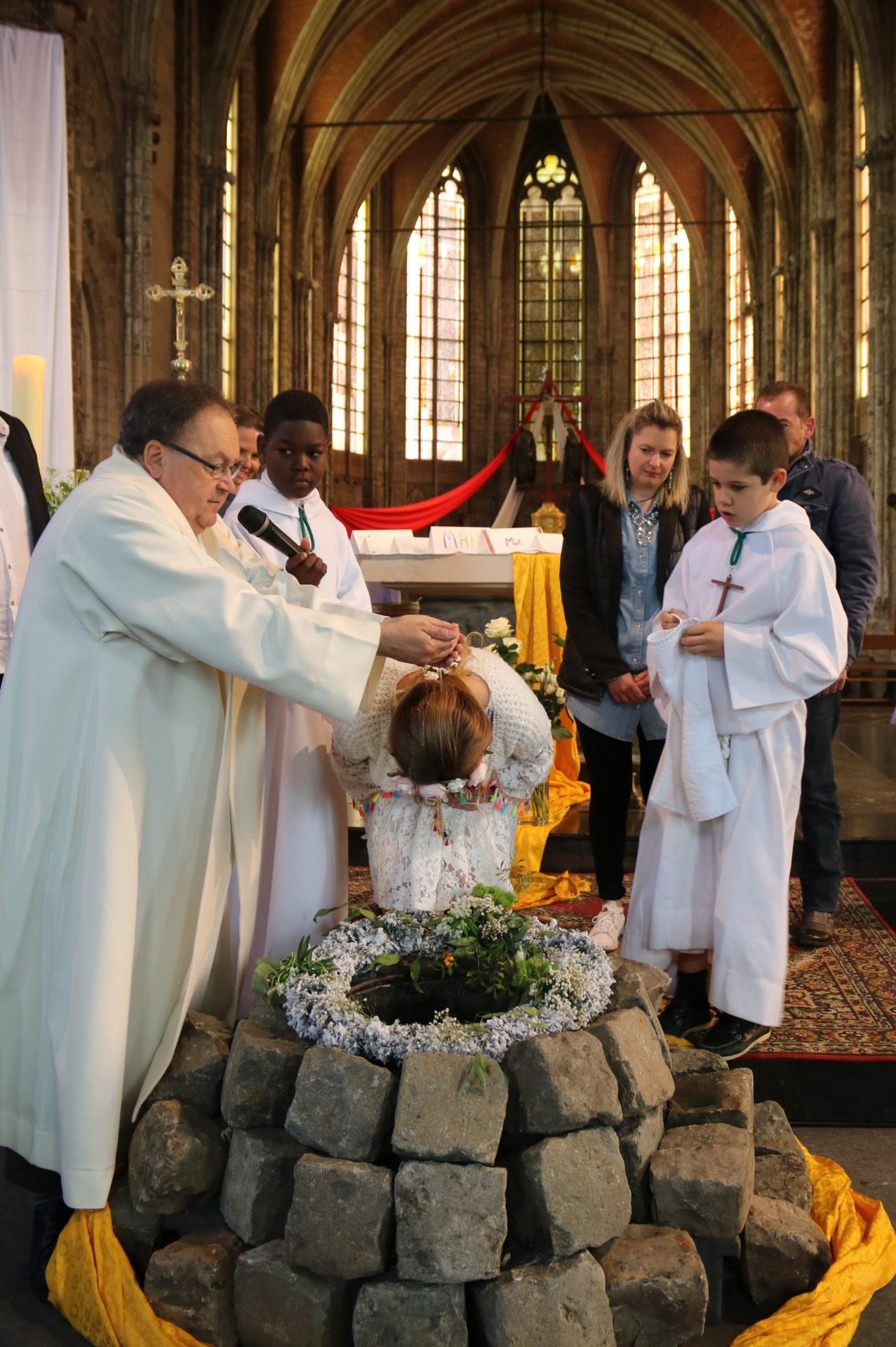 1905_Célébration de baptêmes (7 -12 ans) 63